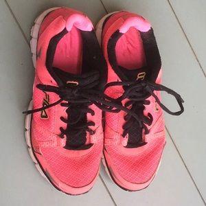 Fila Athletic Shoes Sz 7